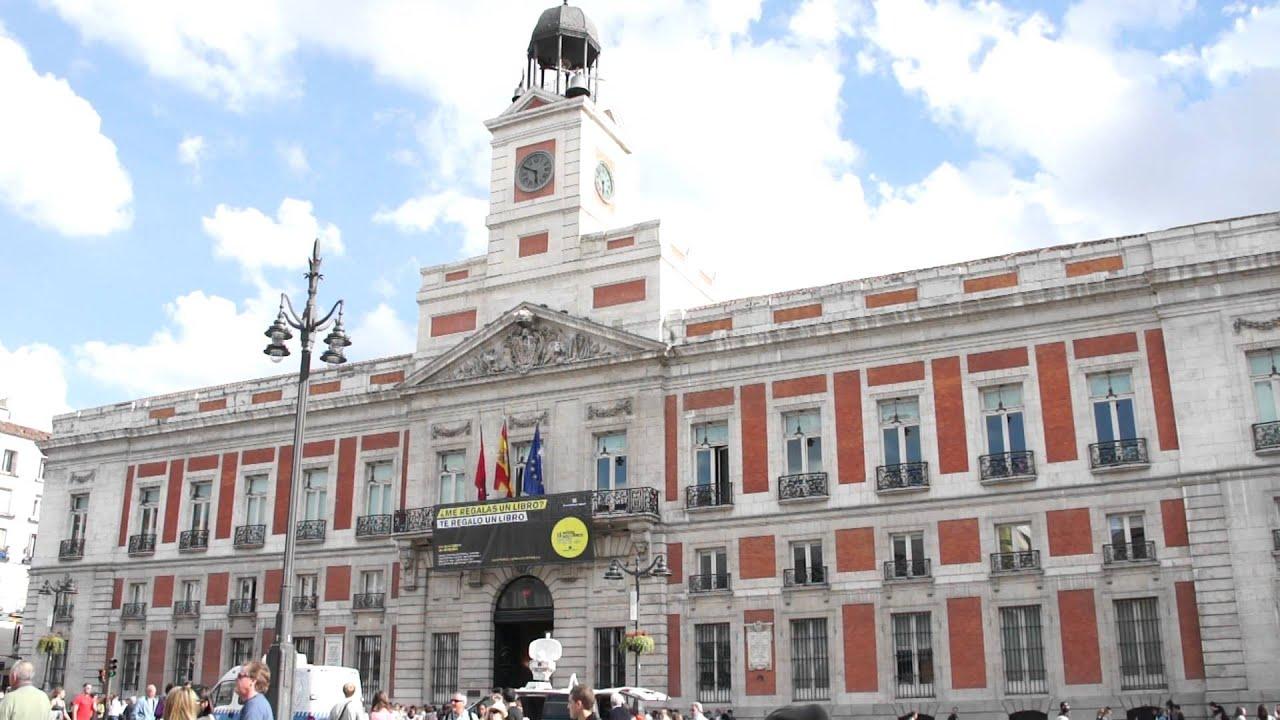 Edificio Reloj Puerta Del Sol
