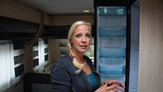 Wohnwagen Hobby DeLuxe 490 KMF #8 Innenraum - Kühlschrank & Kleiderschrank