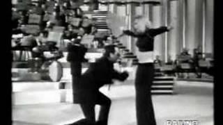 Raffaella Carrà - Tuca Tuca con Alberto Sordi