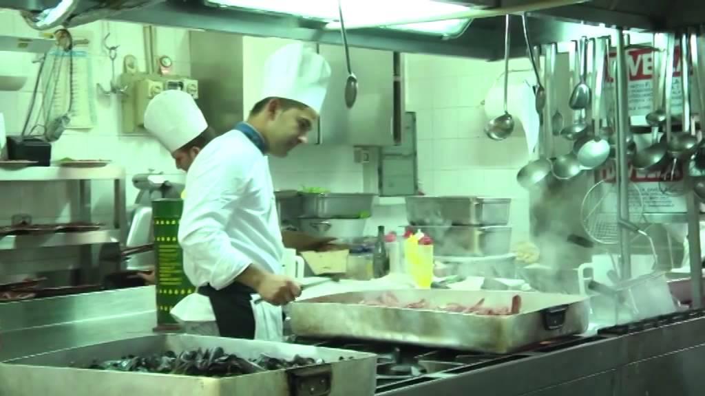 Hotel Ristorante Vecchia Taverna Partner Di Salernosposait Youtube