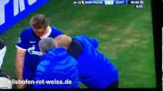 Lewandowski Tomas Hubocan verletzt accident tackle foul BVB 1:2 Zenit St. Petersburg 19.03.14 Blood