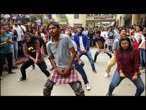 Flashmob || KIET || GLOBAL TOTTERS GROUP || HOLI SPECIAL 😍