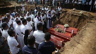 ارتفاع حصيلة ضحايا تفجيرات سريلانكا إلى 310 والشرطة تعتقل 40 شخصا …