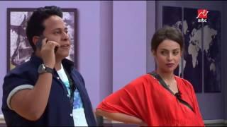 أحمد السقا يرفض التحدث إلى نجم «مسرح مصر».. فيديو