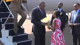 Video President Arrives In Rwanda For The East African Business Summit download MP3, 3GP, MP4, WEBM, AVI, FLV September 2018