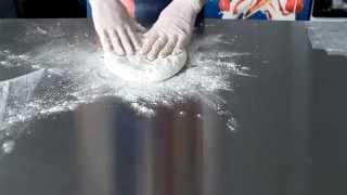 Как мы делаем классический осетинский пирог со свекольными листьями - Сахараджын(www.PirogiTut.ru Пекарня КулинарЪ является результатом работы профессионалов, которые, для целей удовлетворения..., 2015-09-29T11:25:46.000Z)