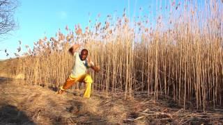 KUNG-FU - exercices très efficace d'assouplissement des jambes et cardio.