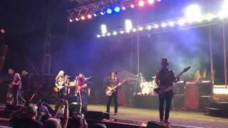 Lynyrd Skynyrd rocks West Virginia  (FREEBIRD) - June 2015