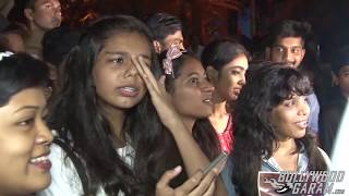 Justin Bieber Arrives In Mumbai - Fans go crazy!
