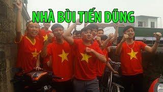 Nhà Bùi Tiến Dũng đông như hội làng ngày U23 Việt Nam đá chung kết