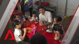 Canada's Justin Trudeau visits Singapore hawker centre