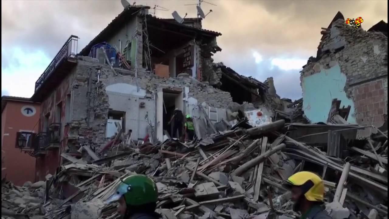 Minst tolv doda i jordbavning i chile