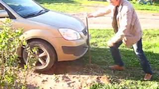 Как самостоятельно (одному) вылезти из грязи или ямы на машине