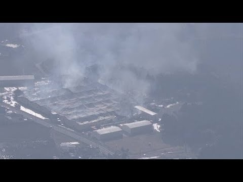 紡績工場で火事 10時間以上燃え続ける けが人なし 鹿児島