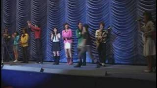 The cast greets the fans on stage: Hashimoto Atsushi (MagiRed/Kai),...