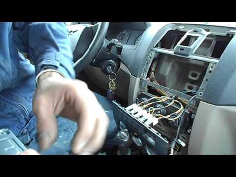 замена штатного магнитофона УАЗ патриот