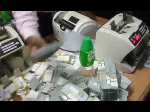 """Watch video of EFCC""""s money counting process 2"""