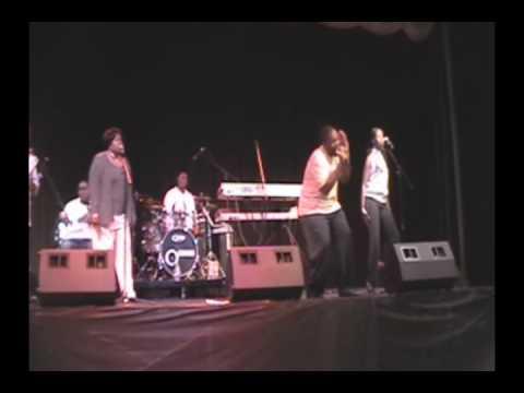 Troy Barnett & Raw Energy @ KAZI Summerfest '09 in...