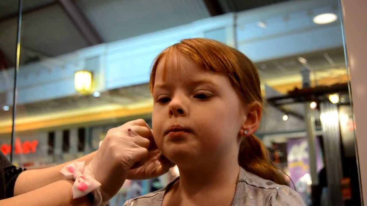 Miss Alli Gets Her Ears Pierced! - YouTube