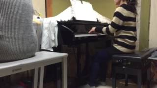 ピアノ教室の先生と生徒です。 アラフィフコンビ、頑張っています。 映...
