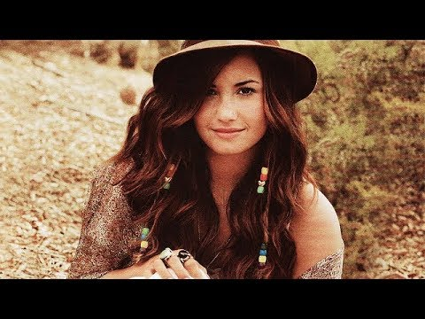 Times Demi Lovato CHARTED With Songs She DIDN'T PROMOTE!