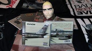 "Unboxing: Eminem's ""KAMIKAZE"" EU version CD"