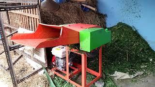 Gambar cover Mesin pencacah / perajang rumput super cepat buat pakan sapi