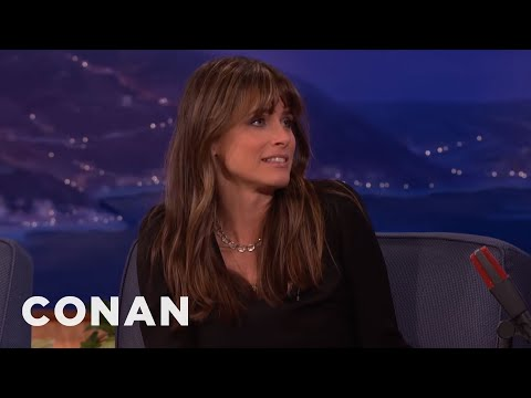 Amanda Peet Hated 'Game Of Thrones' At First  - CONAN on TBS