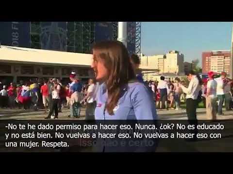 La reprochable actitud de un hincha que intentó besar a una reportera en el Mundial en directo