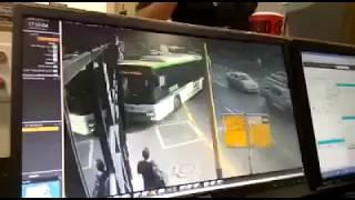 В Тель-Авиве автобус въехал в здание (25.07.2017)