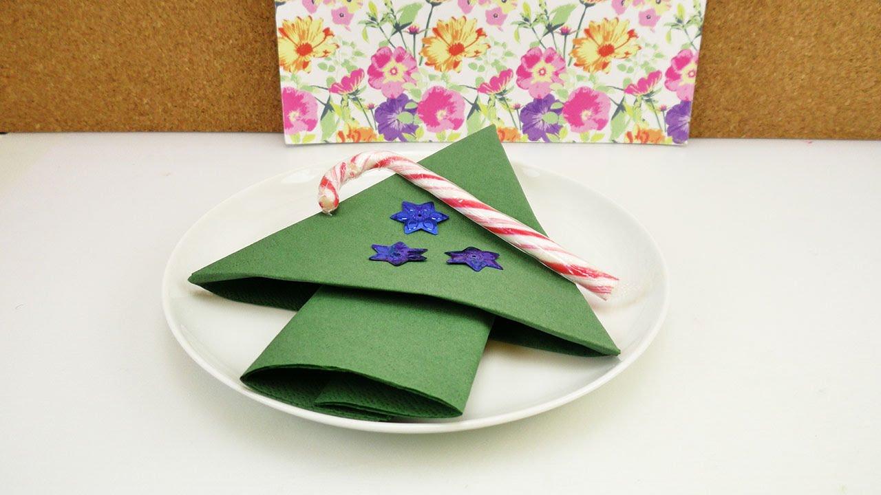 servietten falten f r weihnachten schneller weihnachtsbaum einfach tischdeko f r die. Black Bedroom Furniture Sets. Home Design Ideas