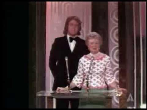 "Franklin J. Schaffner winning the Oscar® for Directing ""Patton"" Mp3"