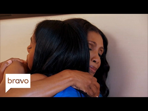 Married to Medicine: Dr. Jackie's Husband Leaves Her in Hawaii (Season 4, Episode 9) | Bravo