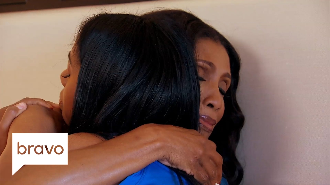 Download Married to Medicine: Dr. Jackie's Husband Leaves Her in Hawaii (Season 4, Episode 9)   Bravo