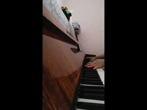 Kara sevda/ kokun hala tenimde (piano)