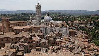 Италия: Сиена / Italy: Siena(Прогулка по одному из самых знаменитых городов в итальянской провинции Тоскана: панорамные виды, площадь..., 2017-02-11T10:39:07.000Z)