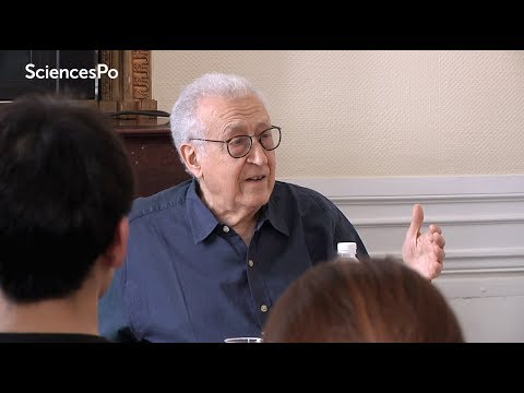 Join the class with Lakhdar Brahimi and students in the Master in Advanced Global Studies