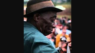Mississippi John Hurt - Louis Collins (1928)