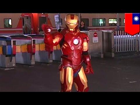 Keren sekali! Kostum Ironman buatan sendiri dipakai menari di stasiun kereta - Tomonews