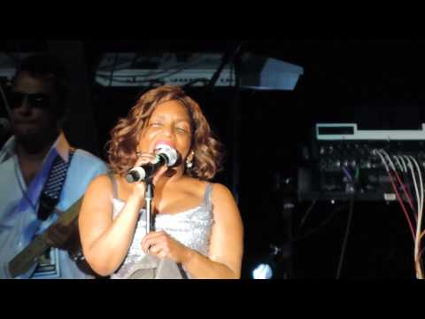"""Stephanie Mills """"Feel The Fire"""" 2015 in Atlanta! Her vocals are SICK!"""