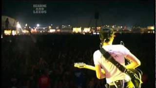 Muse - Invincible live @ Reading Festival 2006 [HD]