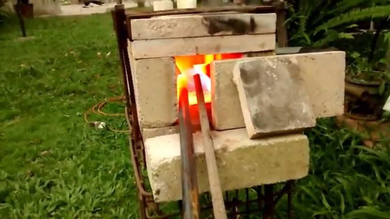 Fragua a gas de ladrillos - YouTube