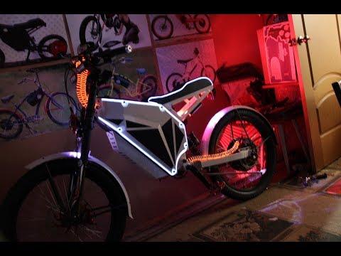 Ночной тест электрического велосипеда Customs Glow.