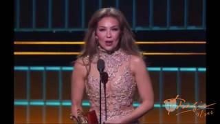 Thalia Gana El Premio Lo Nuestro A Mejor Artista Femenina Pop 2017