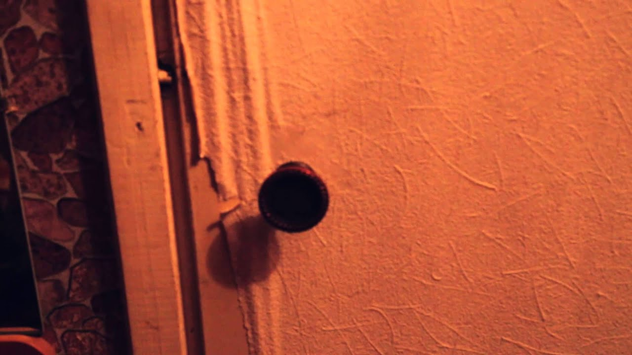 Застукал в ванне, молодожены снимают первую ночь на домашнюю камеру