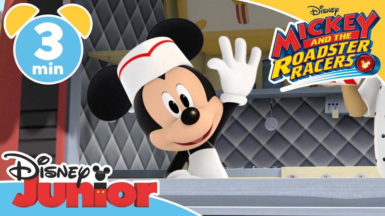 Mickey and the Roadster Racers | The Food Truck Race 🌭 – Magical Moment | Disney Junior UK