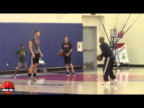 Blake Griffin working out with Sam Cassell. HoopJab