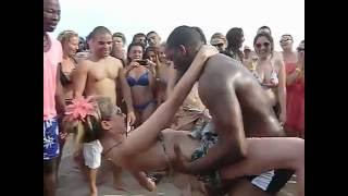 Repeat youtube video CRIOLA BEACH FESTIVAL 2012: HOT DANCE KUDURU-AFROHOUSE on the beachAfro-house on the beach!