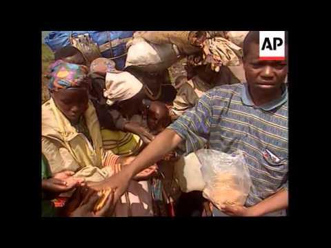 Rwanda/Zaire - Refugees caught in cross fire