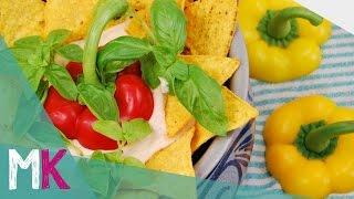 Tortilla Schichtsalat mit Mais und Kichererbsen